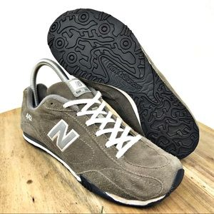 Retro New Balance Women's Lifestyle 442 Sneaker